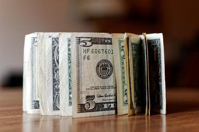 přeložené dolary